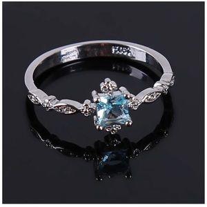 Jewelry - Elegant Blue Topaz Diamond Zircon Ring